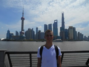 In Hangzhou vragen de mensen of ze een foto van jou mogen maken, in Shanghai of je een foto van hen kunt maken. Dan helpen ze jou ook.